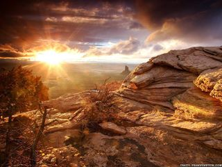 Overlook-canyonlands-canyon-wallpaper